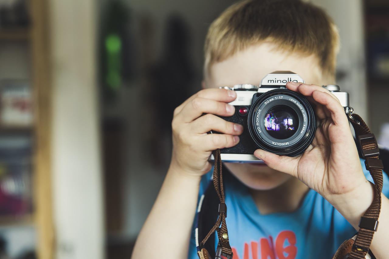 Quais os limites da superexposição das crianças na Internet?