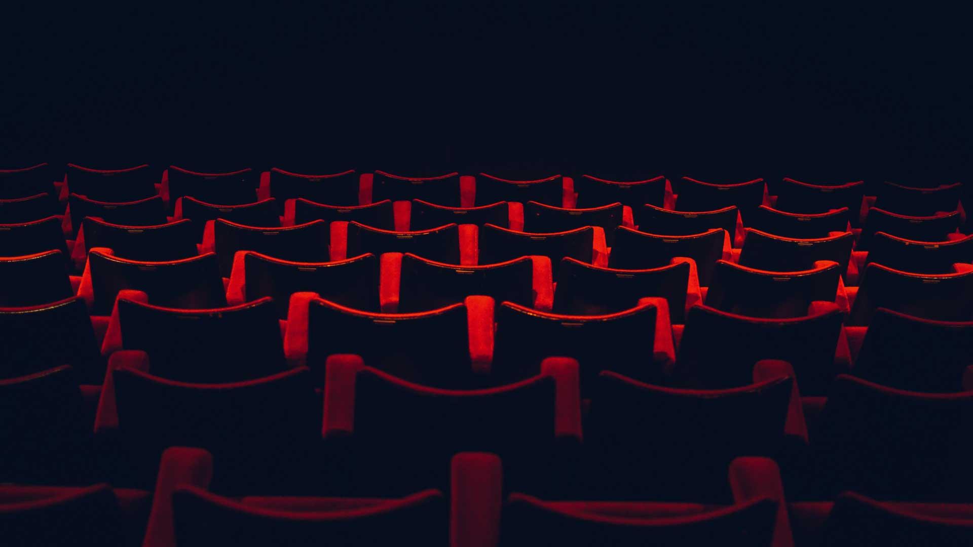 Cinema gratuito é criado por garoto de 8 anos, no Acre
