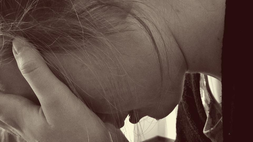 Precisamos falar sobre o suicídio na adolescência