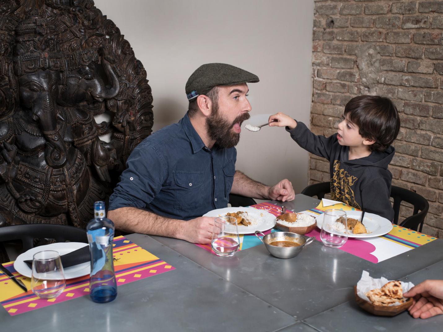Fotógrafo cria projeto retratando pais e filhos ao redor do mundo