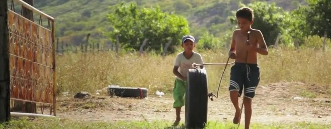 """""""Terra de Cabinha"""": o mundo encantador das crianças do Cariri"""
