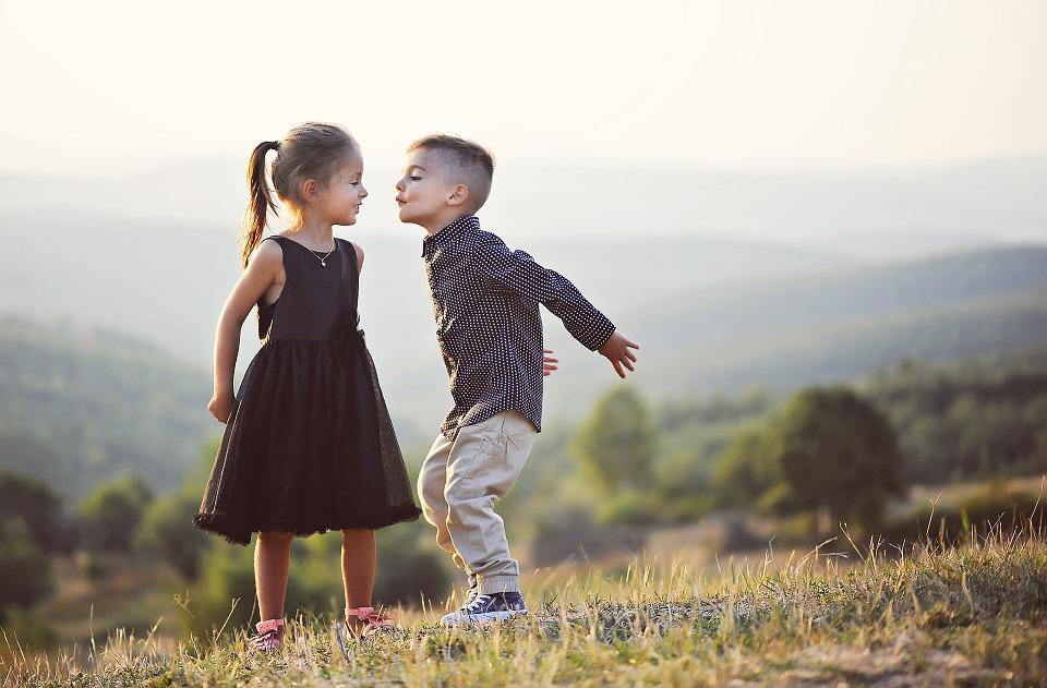 Sobre os riscos da erotização precoce na infância