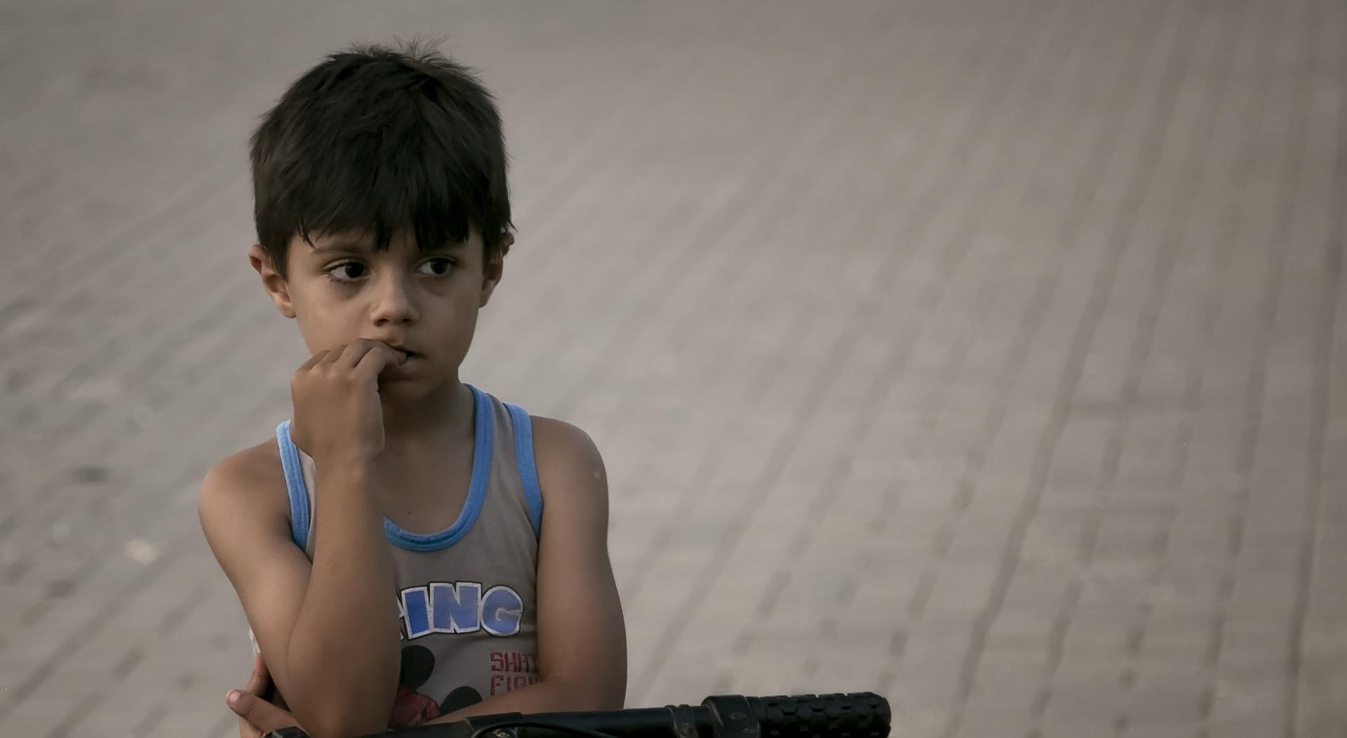 Campanha chama a atenção para a difícil realidade de crianças que passam fome na escola