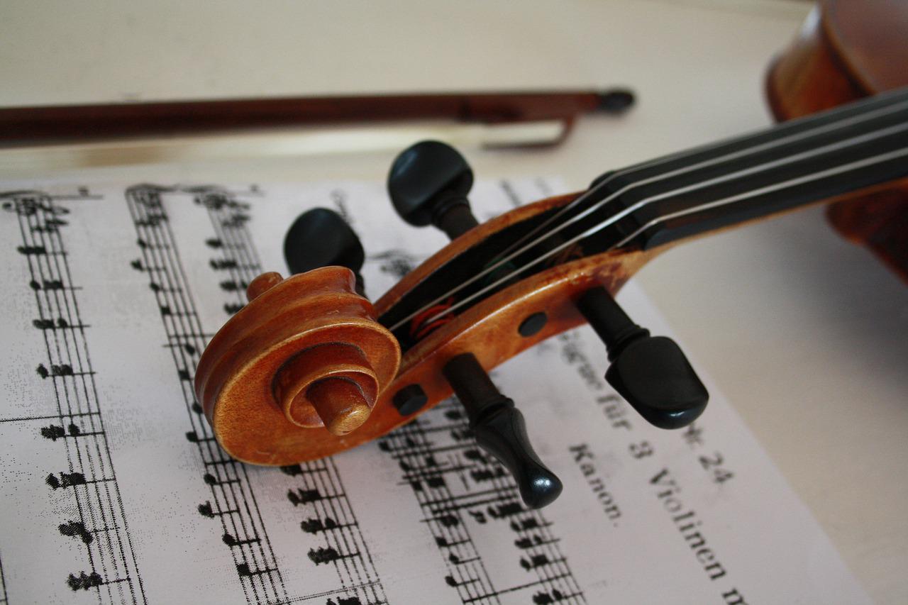 Maestro cria playlist de músicas clássicas selecionadas para as crianças