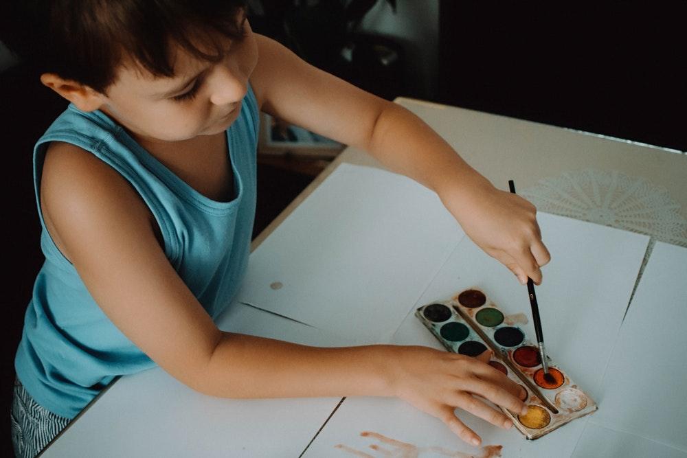Homeschooling: como fica a escola como espaço coletivo de educação?