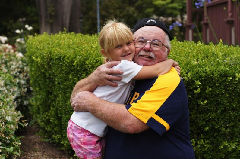 Avô e neta impressionam no sapateado