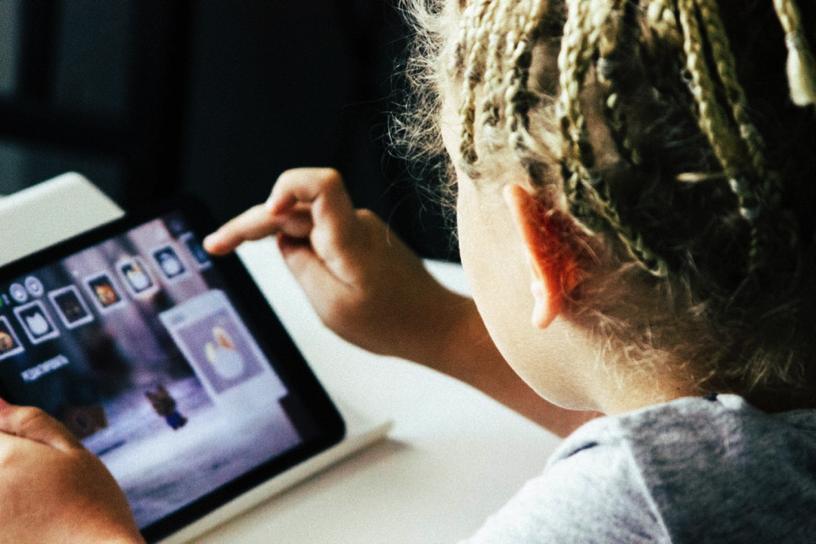 Tigre Branco: o aplicativo brasileiro que busca combater o bullying na escola