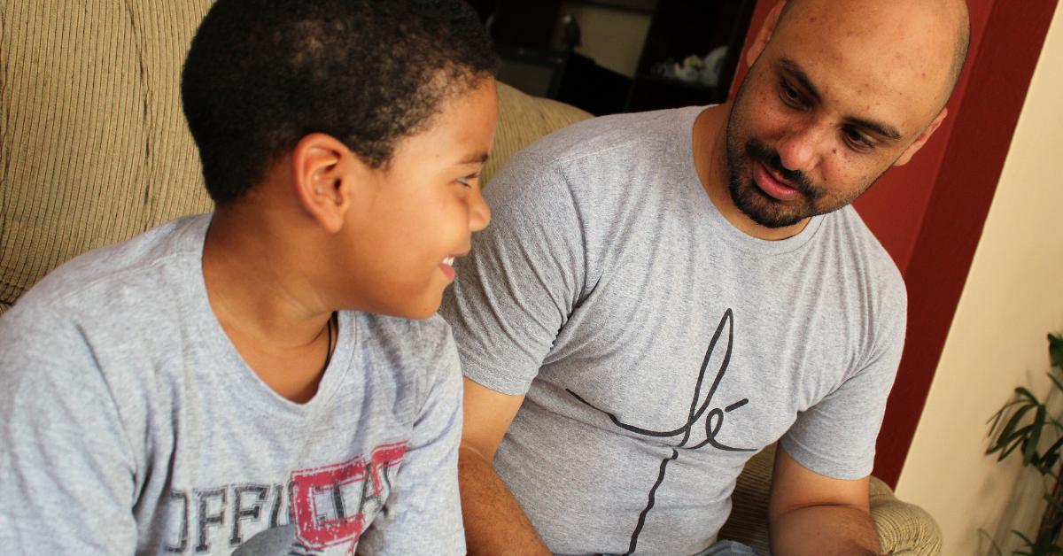 Escutar as crianças (de verdade) não só demonstra afeto mas favorece seu desenvolvimento