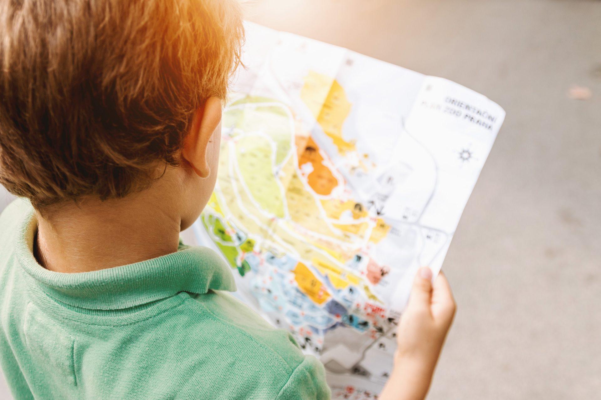 3 atividades para ensinar as crianças a ler mapas (inclusive os digitais)
